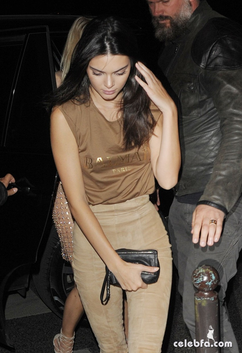 kendall-jenner-at-balmain-fashion-show-after-party-in-paris (5)