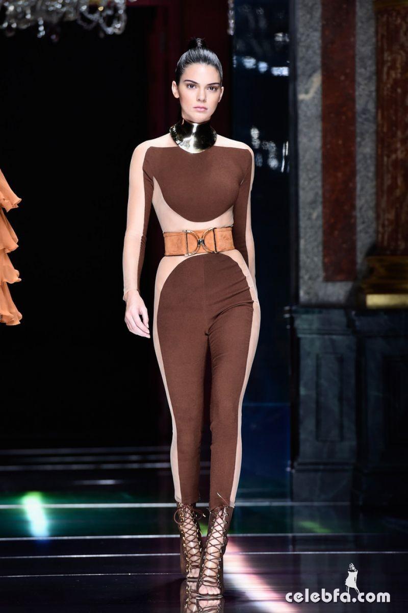 kendall-jenner-at-balmain-fashion-show-at-paris-fashion-week (2)