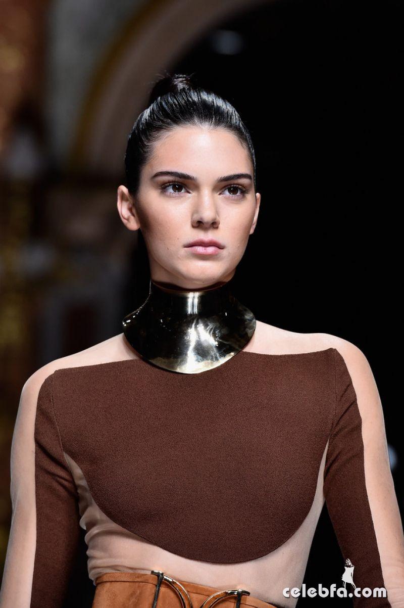 kendall-jenner-at-balmain-fashion-show-at-paris-fashion-week (8)