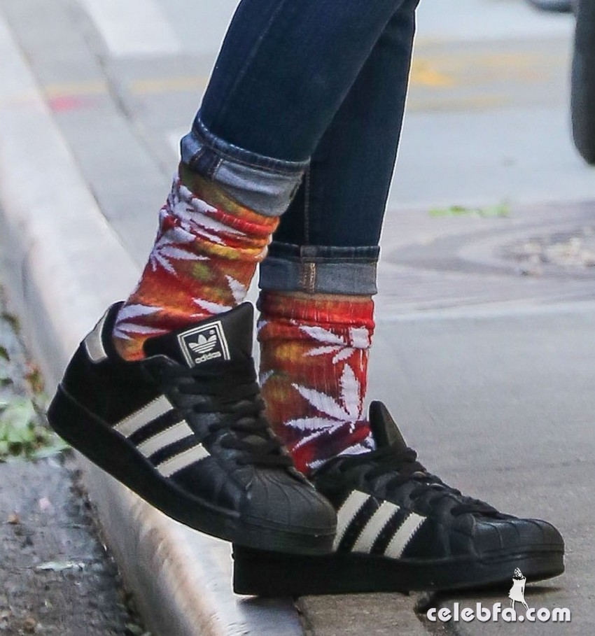 Exclusive... 51874247 'Twilight' actress Kristen Stewart spotted out and about in New York City, New York on October 8, 2015. Kristen could be seen wearing a shirt with holes in it and a pair of marijuana leaf socks. FameFlynet, Inc - Beverly Hills, CA, USA - +1 (818) 307-4813