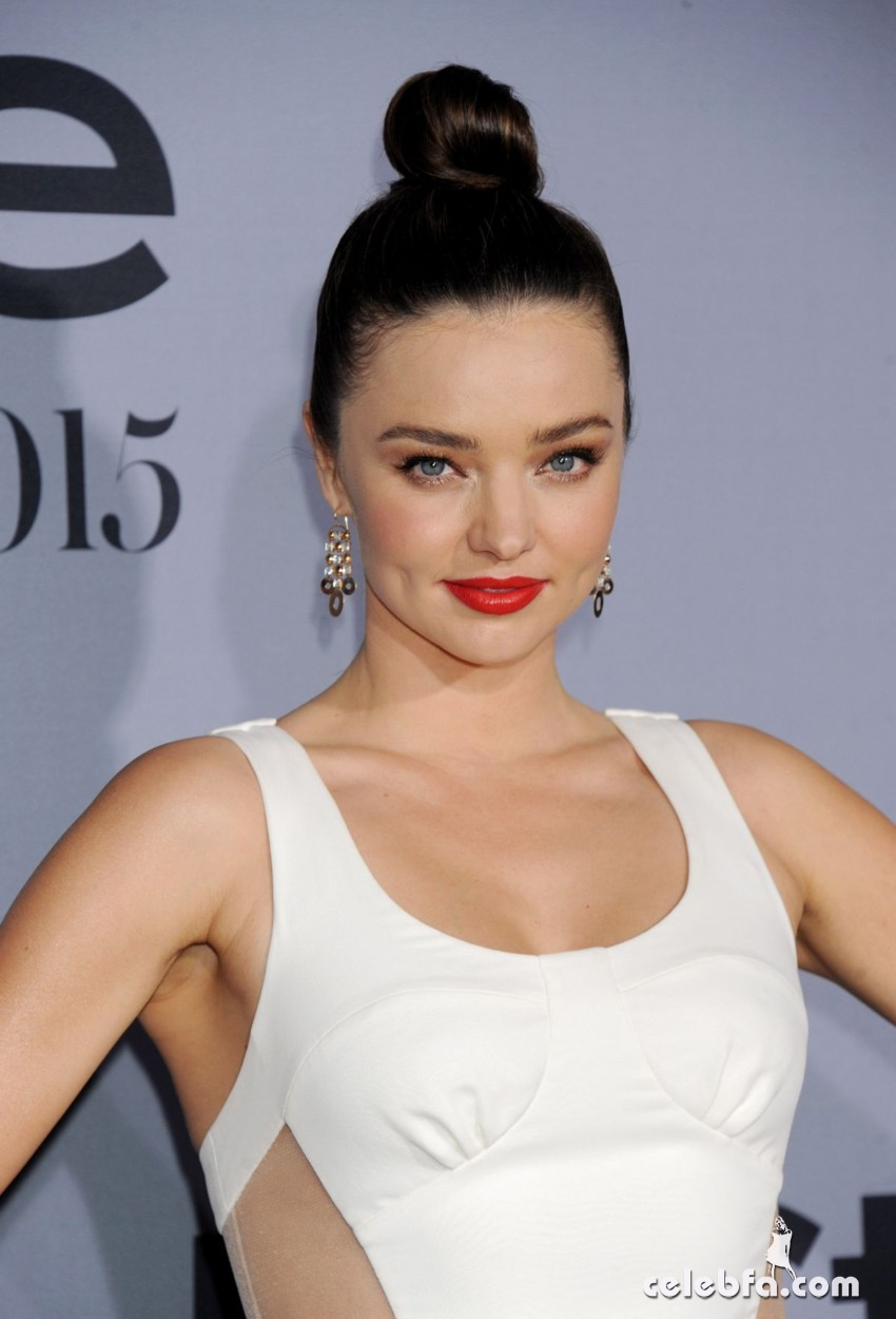miranda-kerr-at-instyle-awards-2015 (1)