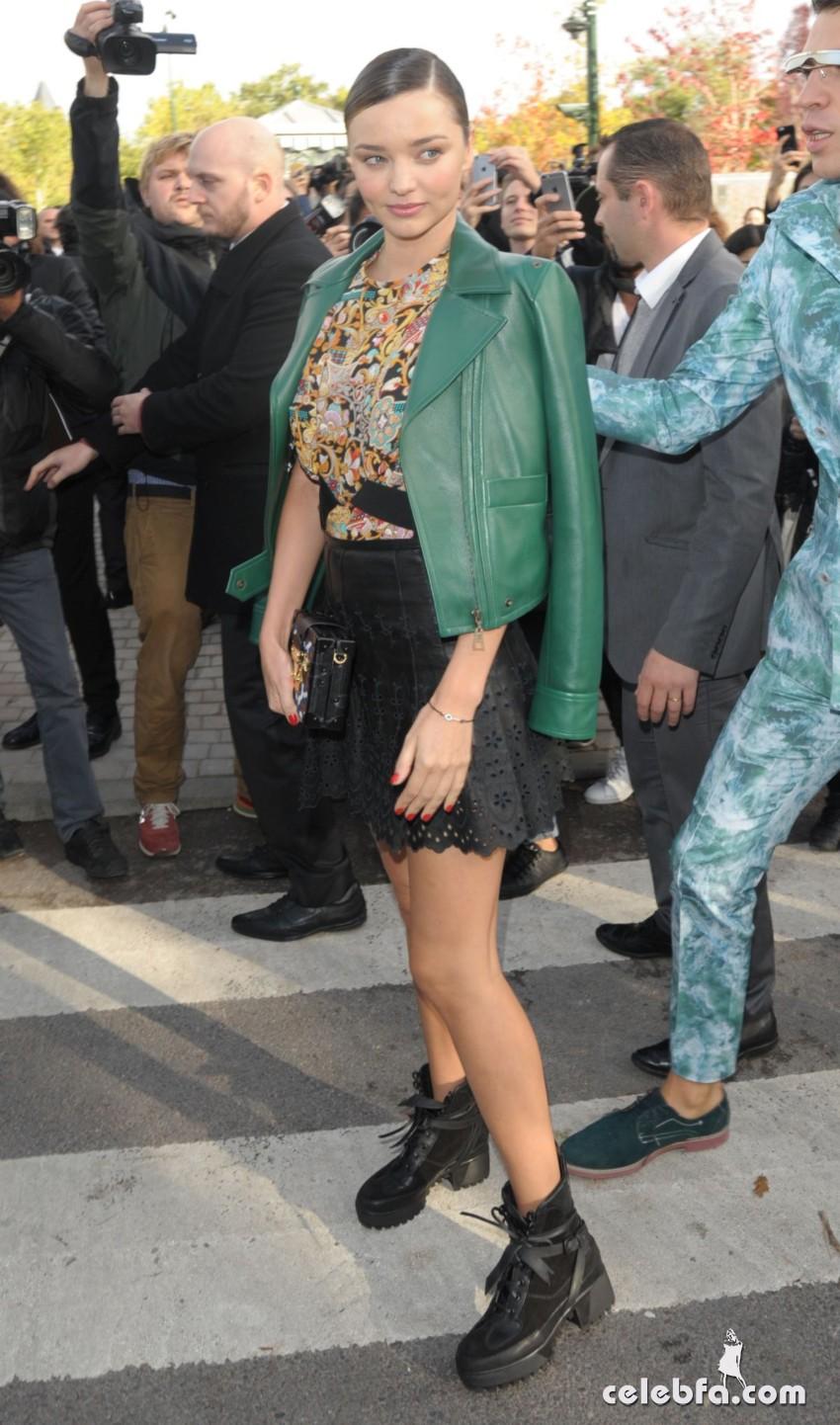 miranda-kerr-at-louis-vuitton-fashion-show-at-paris-fashion-week (3)