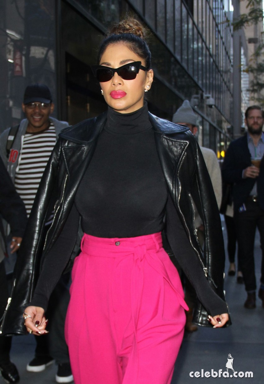nicole-scherzinger-leaves-the-today-show-in-new-york (1)
