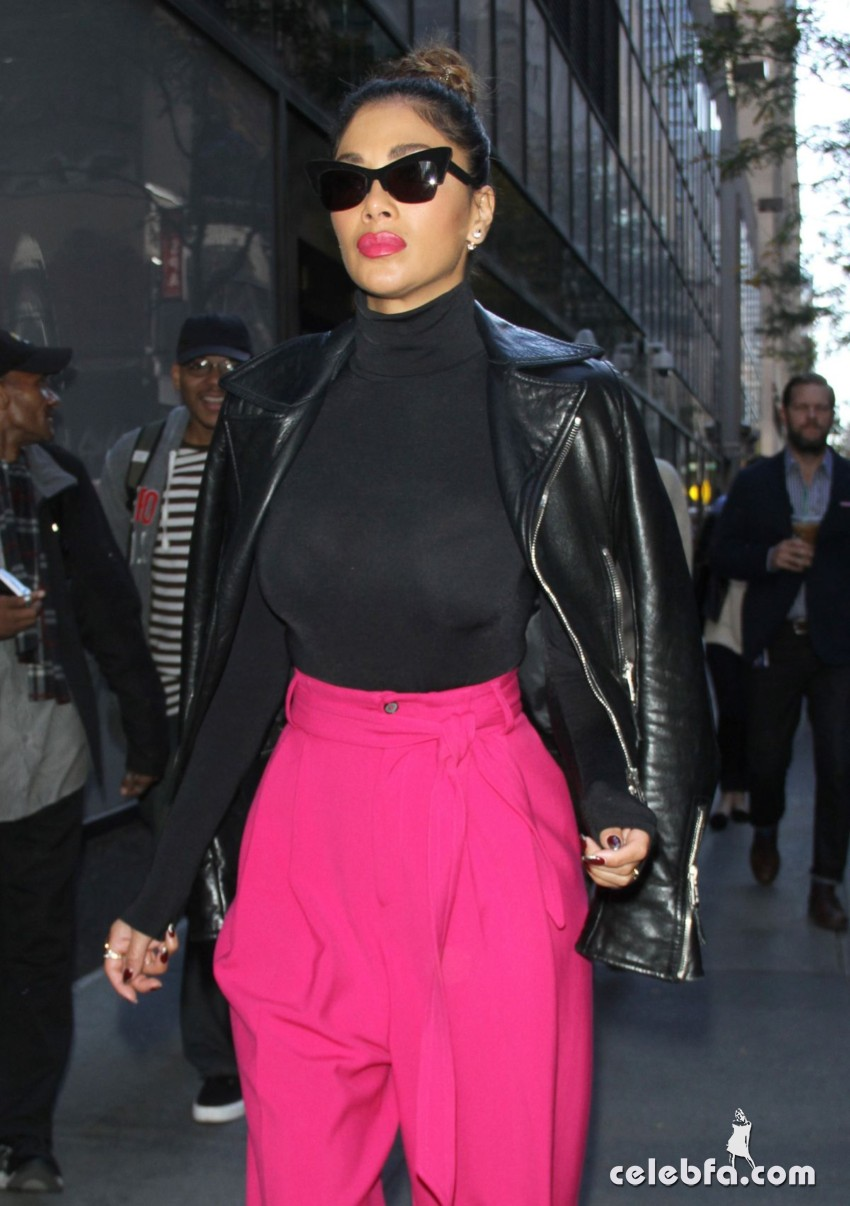 nicole-scherzinger-leaves-the-today-show-in-new-york (4)