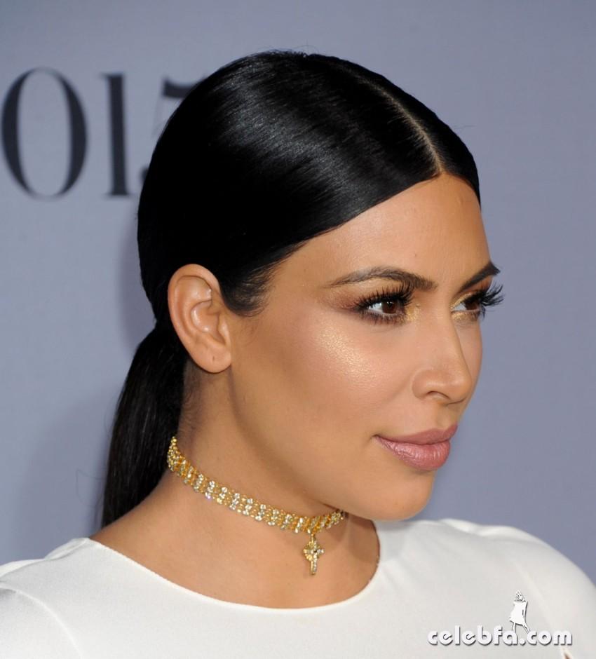 pregnant-kim-kardashian-at-instyle-awards-2015 (2)