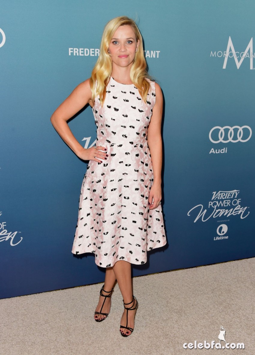 reese-witherspoon-at-power-of-women-luncheon-in-beverly-hills (2)