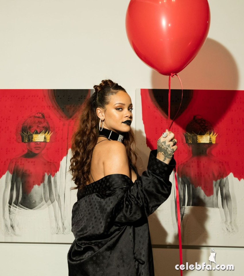 rihanna-at-8th-album-artwork-reveal-for-anti-at-mama-gallery-in-los-angeles (6)