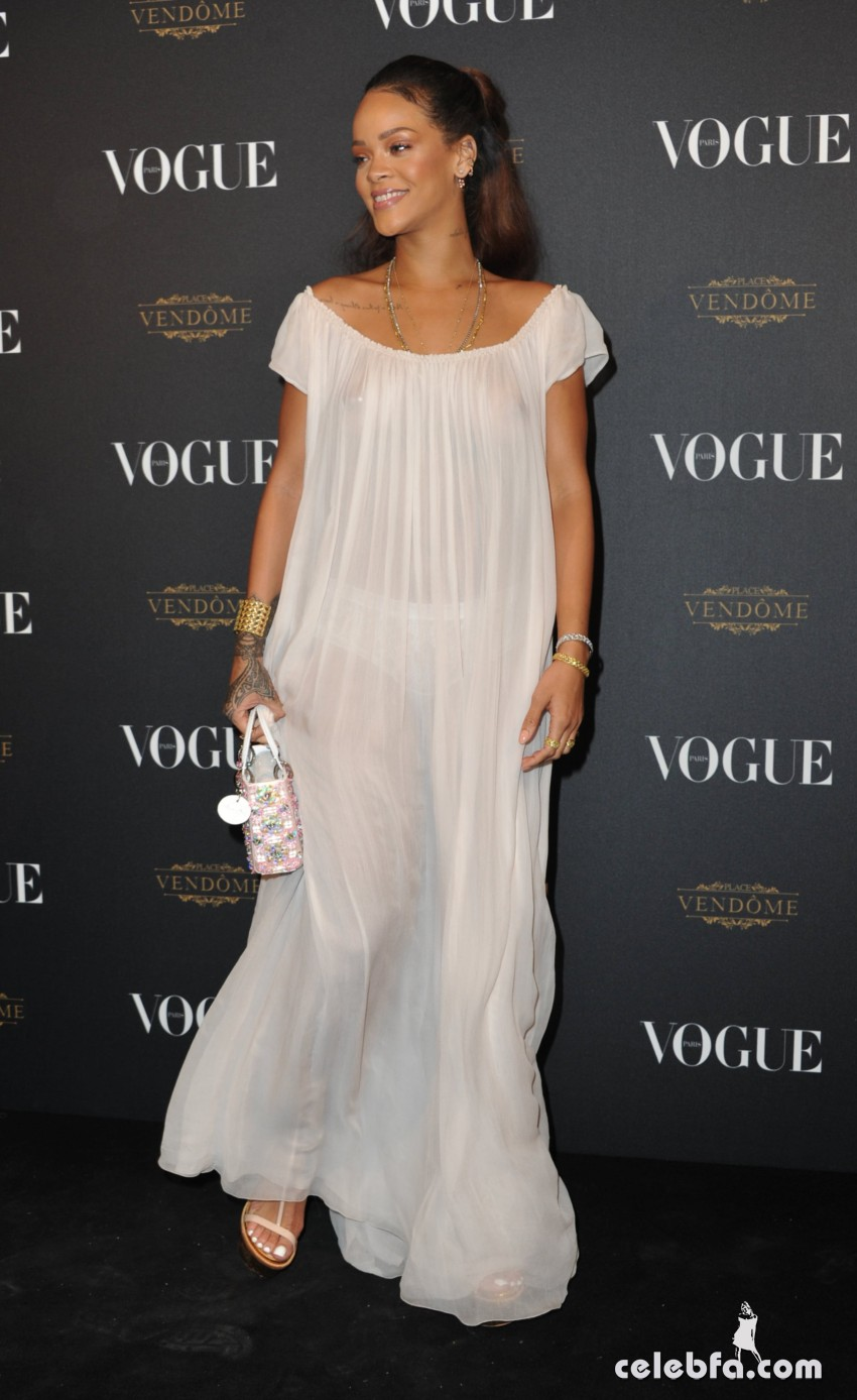 Rihanna - Vogue's Anniversary Party (4)