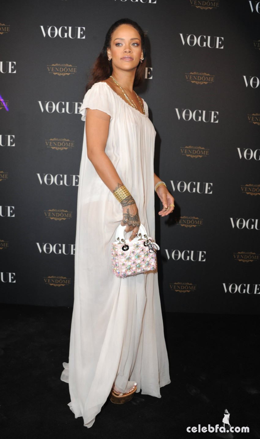 Rihanna - Vogue's Anniversary Party (6)