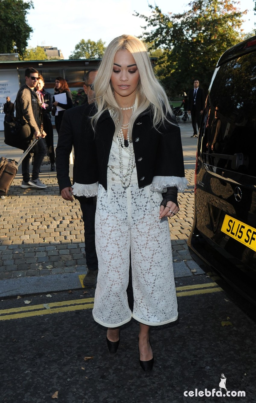 rita-ora-at-chanel-exhibition-party-in-london (6)
