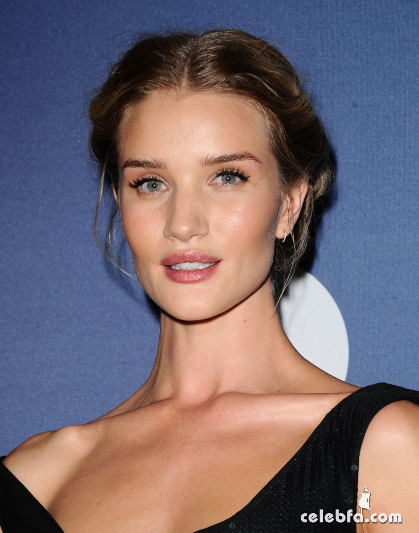 rosie-huntington-whiteley-at-power-of-women-luncheon-in-beverly-hills (1)