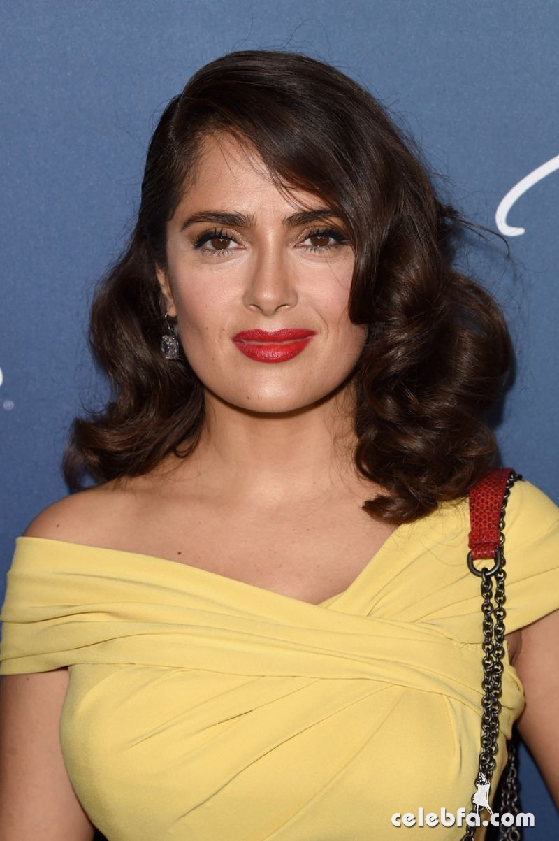 salma-hayek-at-power-of-women-luncheon-in-beverly-hills (4)