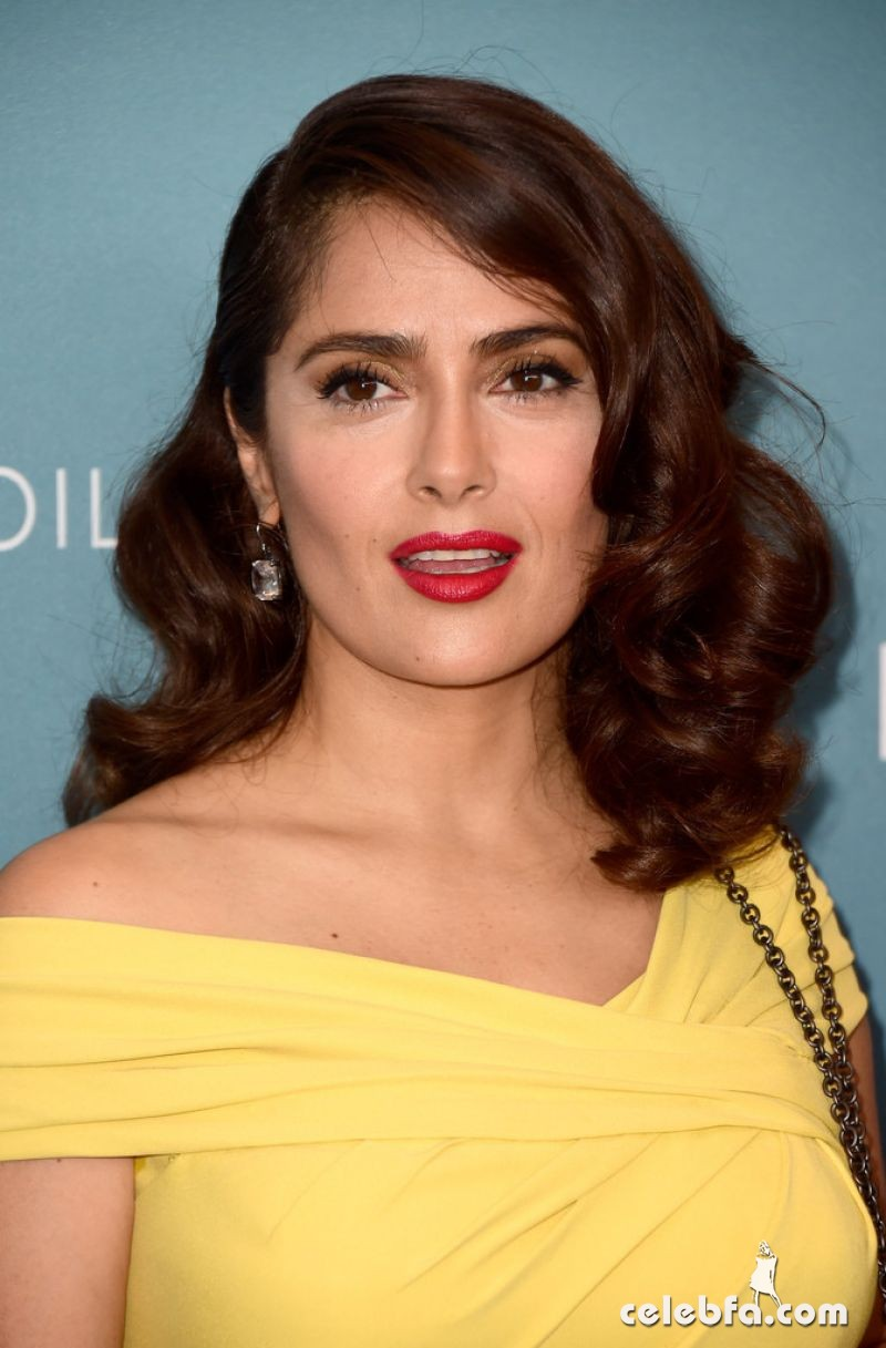 salma-hayek-at-power-of-women-luncheon-in-beverly-hills (7)