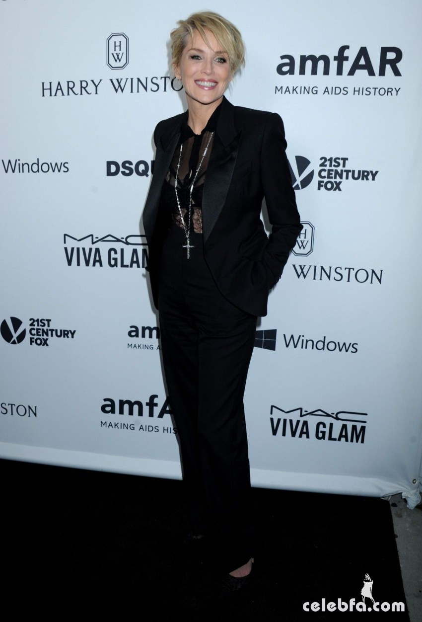 sharon-stone-at-amfar-s-inspiration-gala-in-hollywood (2)