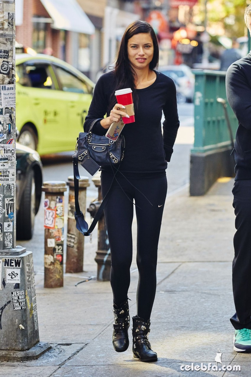 adriana-lima-out-and-aout-in-new-york (1)