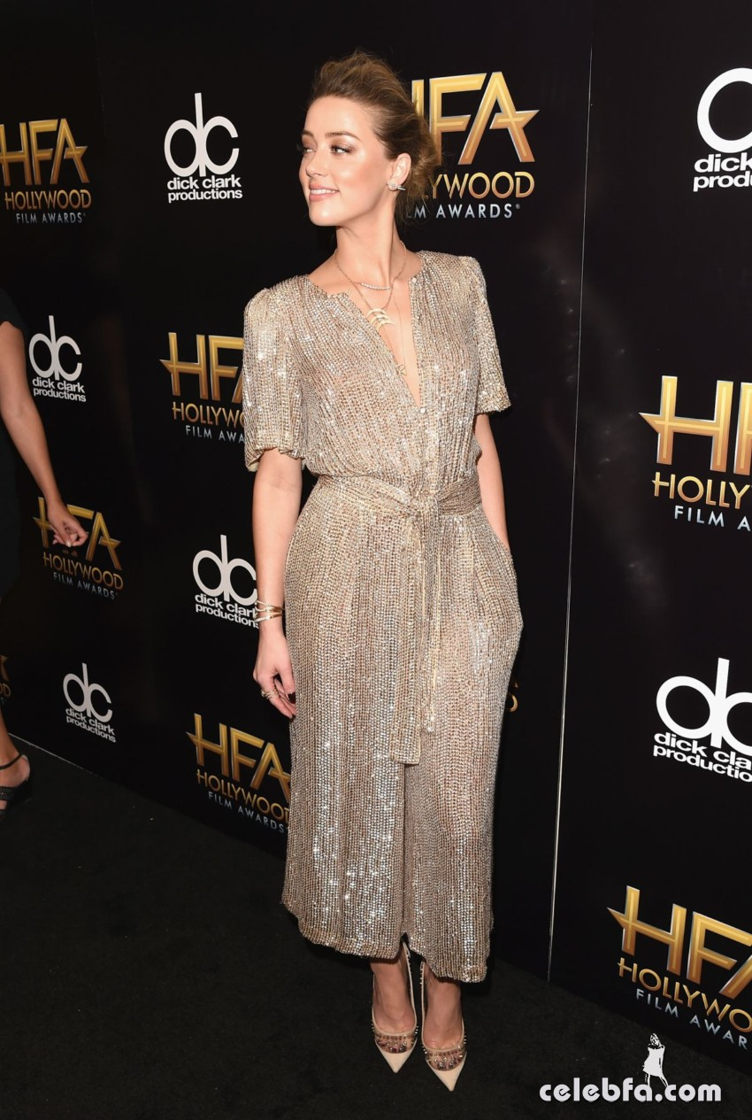 amber-heard-at-2015-hollywood-film-awards-in-beverly-hills (3)