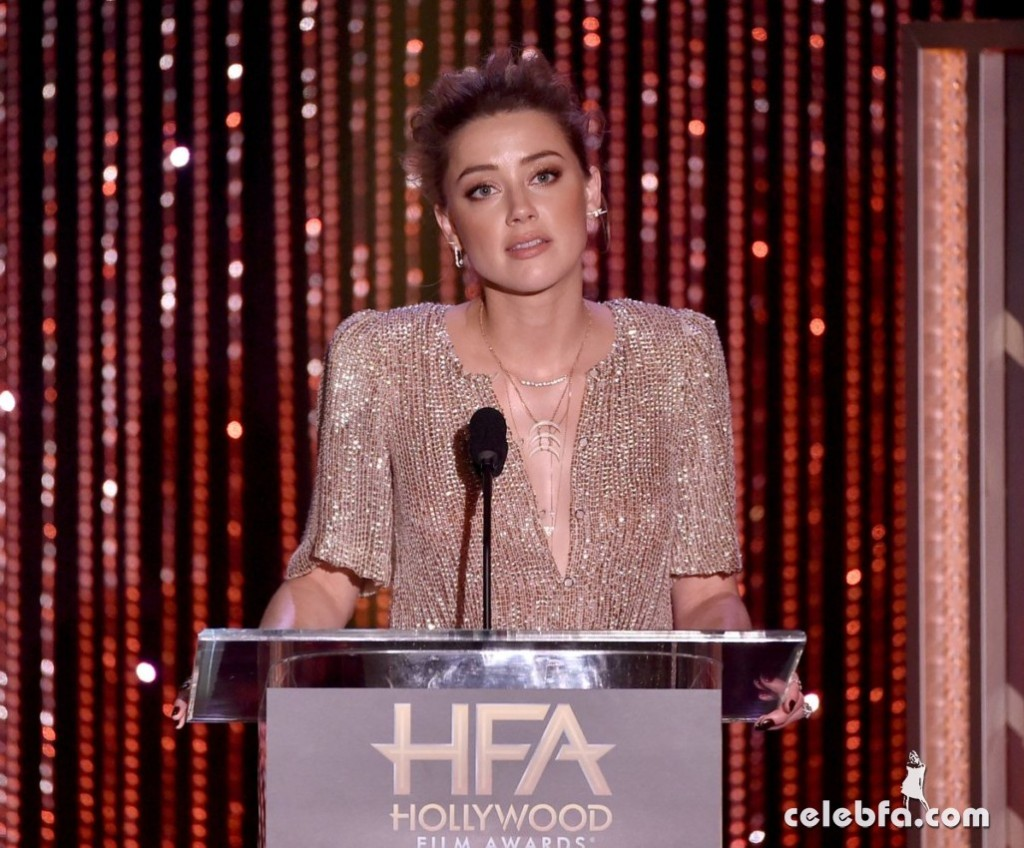 amber-heard-at-2015-hollywood-film-awards-in-beverly-hills (7)