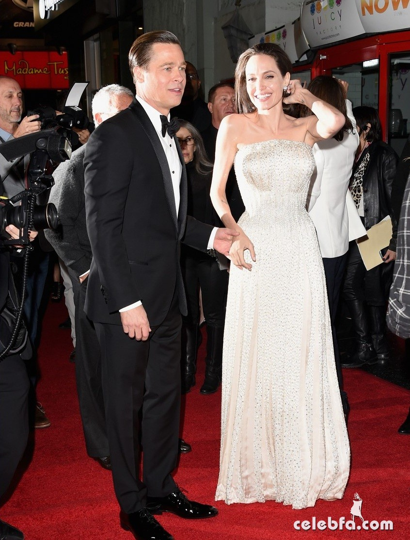 angelina-jolie-brad-pitt-by-the-sea-la-premiere (3)
