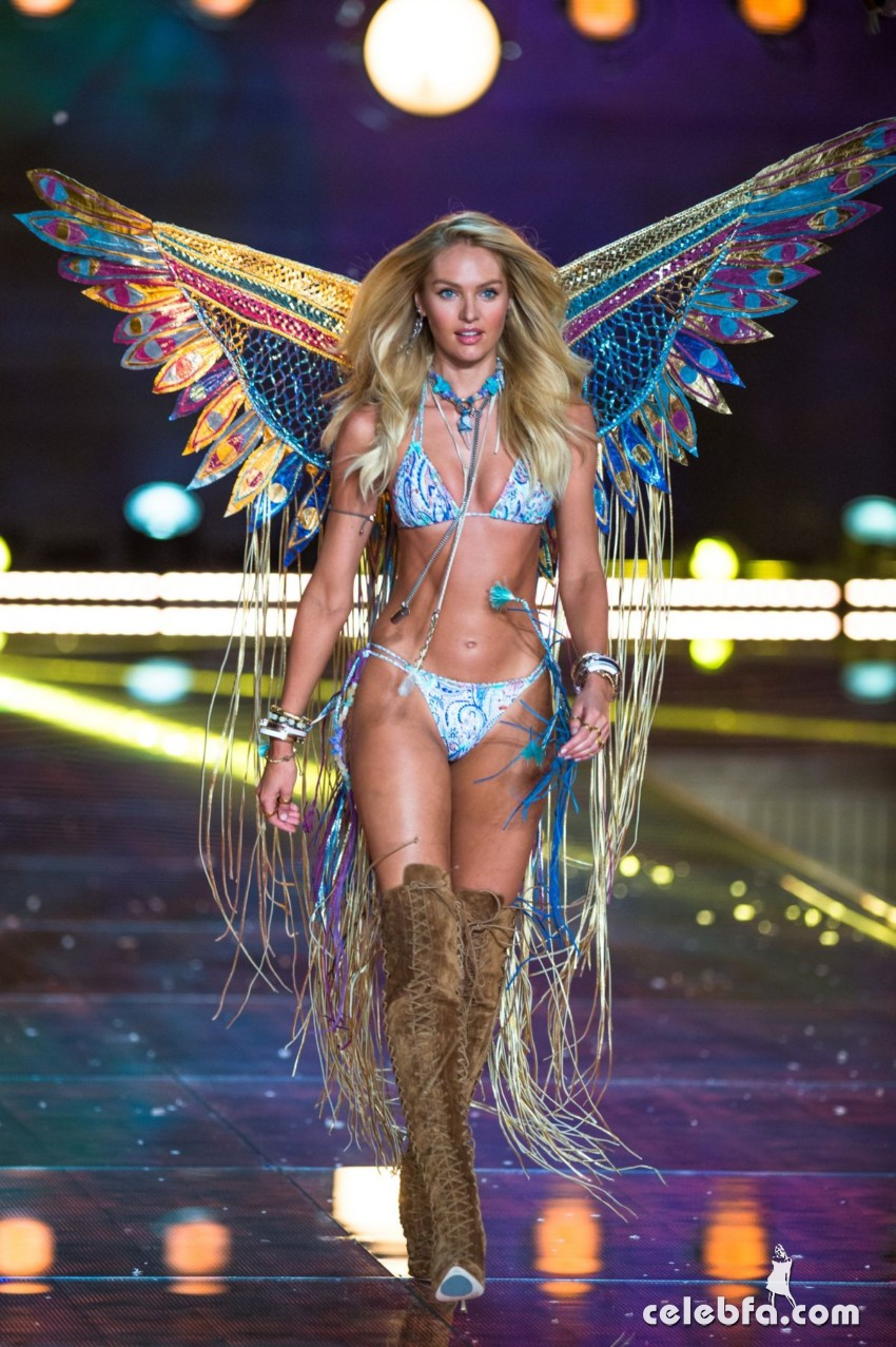 candice-swanepoel-at-victoria-s-secret-2015-fashion-show (7)
