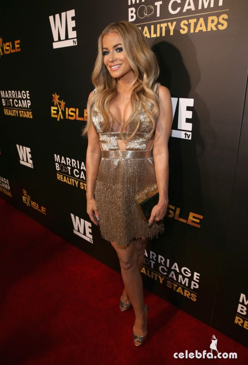 carmen-electra-at-marriage-boot-camp-reality-stars-and-ex-isled-premiere-in-los-angeles (3)