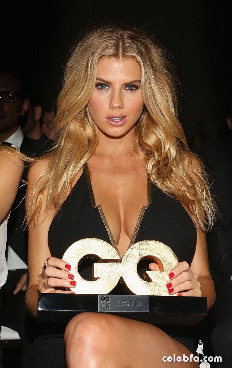 charlotte-mckinney-at-gq-men-of-the-year-mexico-awards (3)