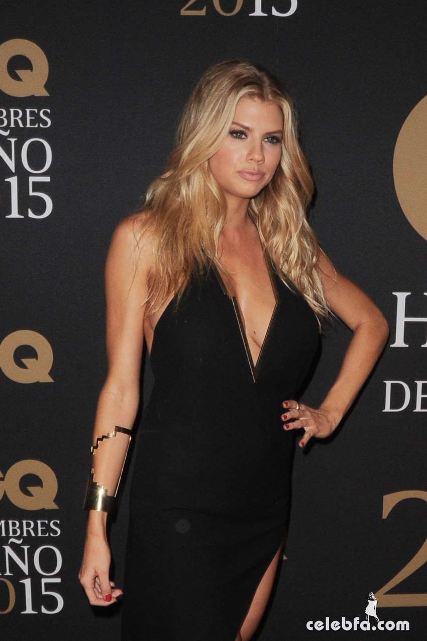charlotte-mckinney-at-gq-men-of-the-year-mexico-awards (5)