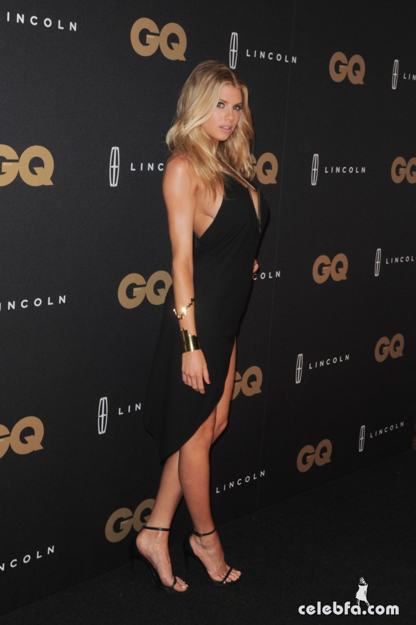 charlotte-mckinney-at-gq-men-of-the-year-mexico-awards (6)