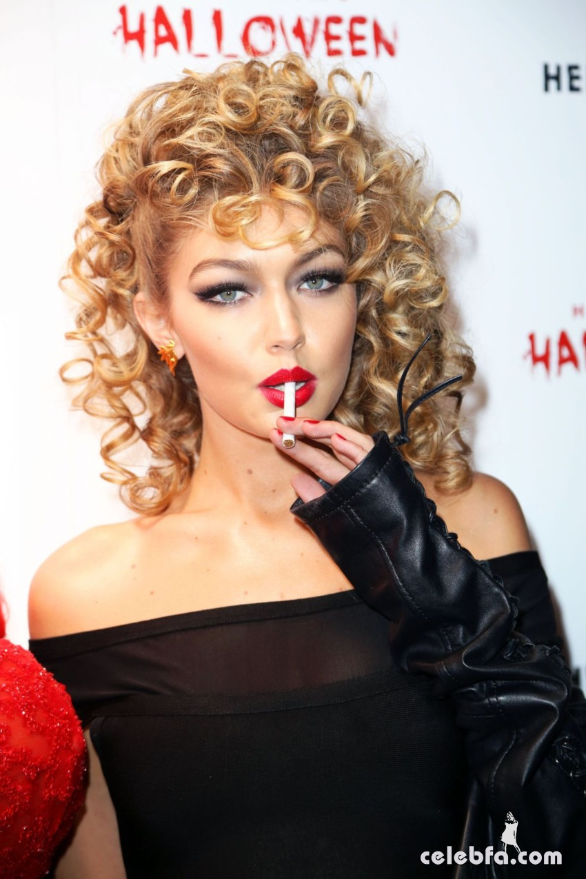 gigi-hadid-at-heidi-klum-halloween-party-in-new-york (1)