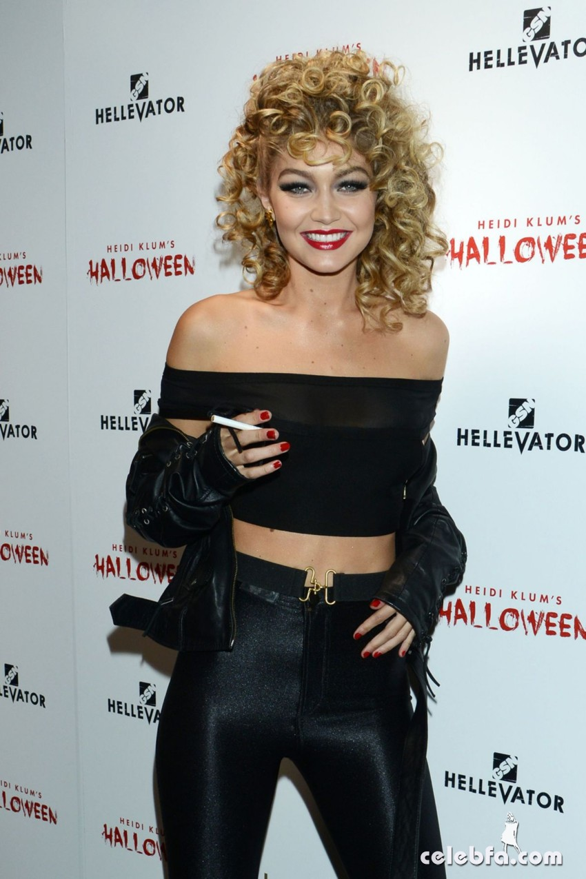 gigi-hadid-at-heidi-klum-halloween-party-in-new-york (8)
