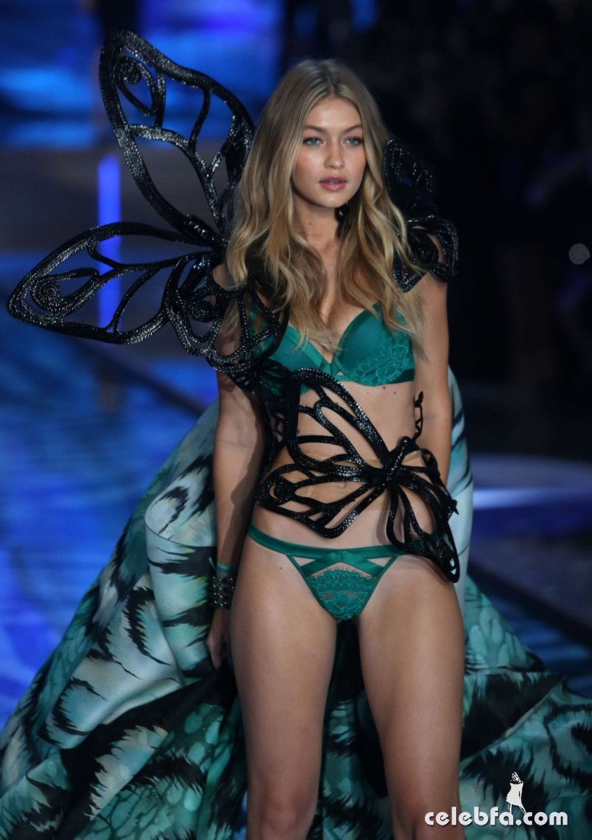 gigi-hadid-at-victoria-s-secret-2015-fashion-show-in-new-york (1)