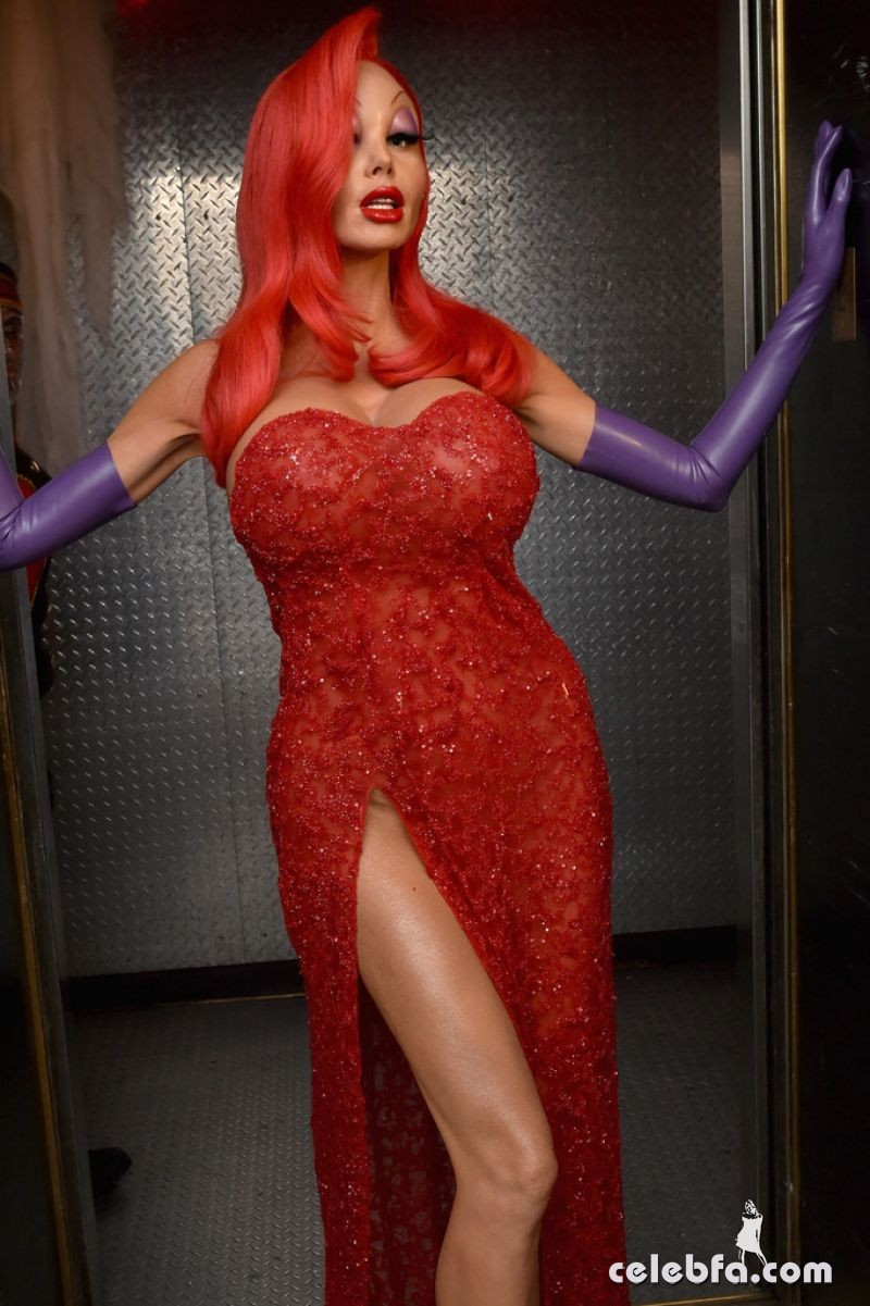 heidi-klum-at-16th-annual-heidi-klum-halloween-party-in-new-york (5)