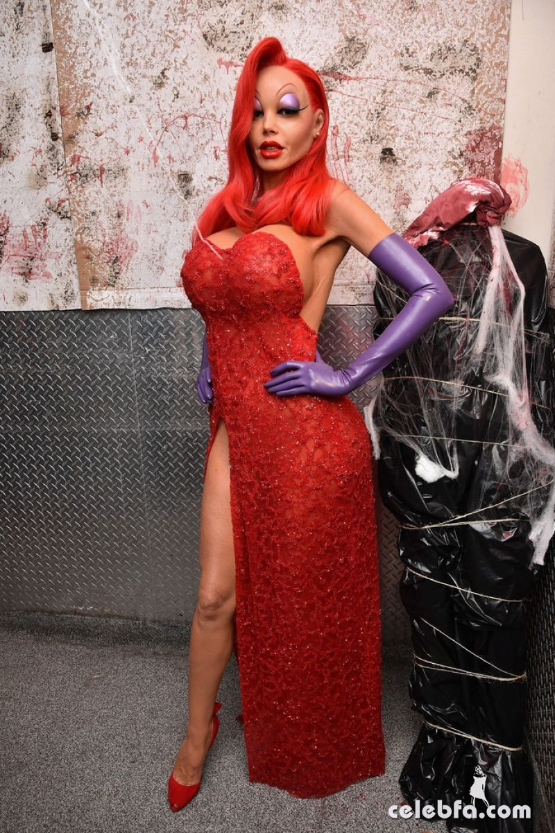 heidi-klum-at-16th-annual-heidi-klum-halloween-party-in-new-york (6)