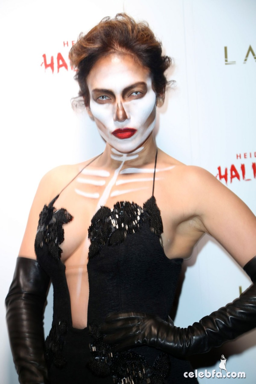 jennifer-lopez-at-heidi-klum-halloween-party-in-new-york (1)