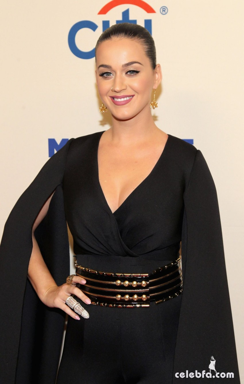 katy-perry-at-change-begins-within-a-david-lynch-foundation-benefit-concert-in-new-york (4)