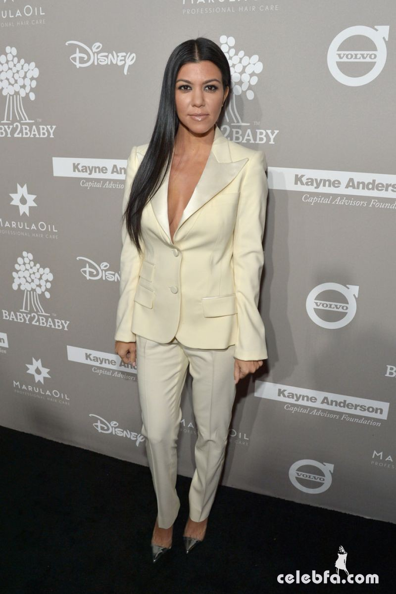 kourtney-kardashian-at-2015-baby2baby-gala (2)