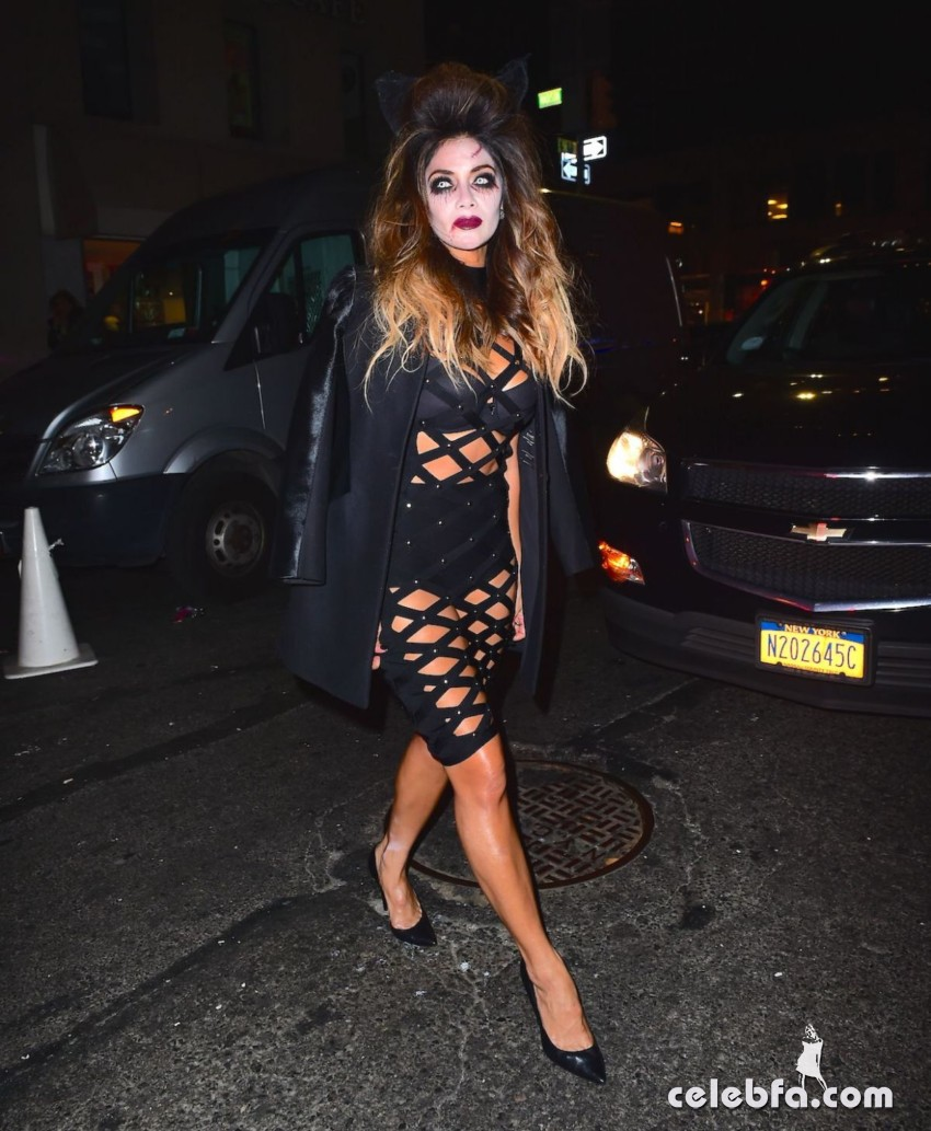 nicole-scherzinger-at-heidi-klum-halloween-party-in-new-york (3)