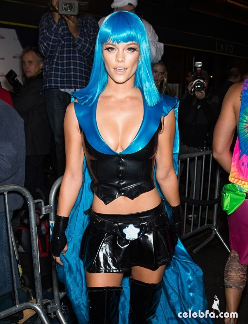 nina-agdal-at-heidi-klum-halloween-party-in-new-york (2)