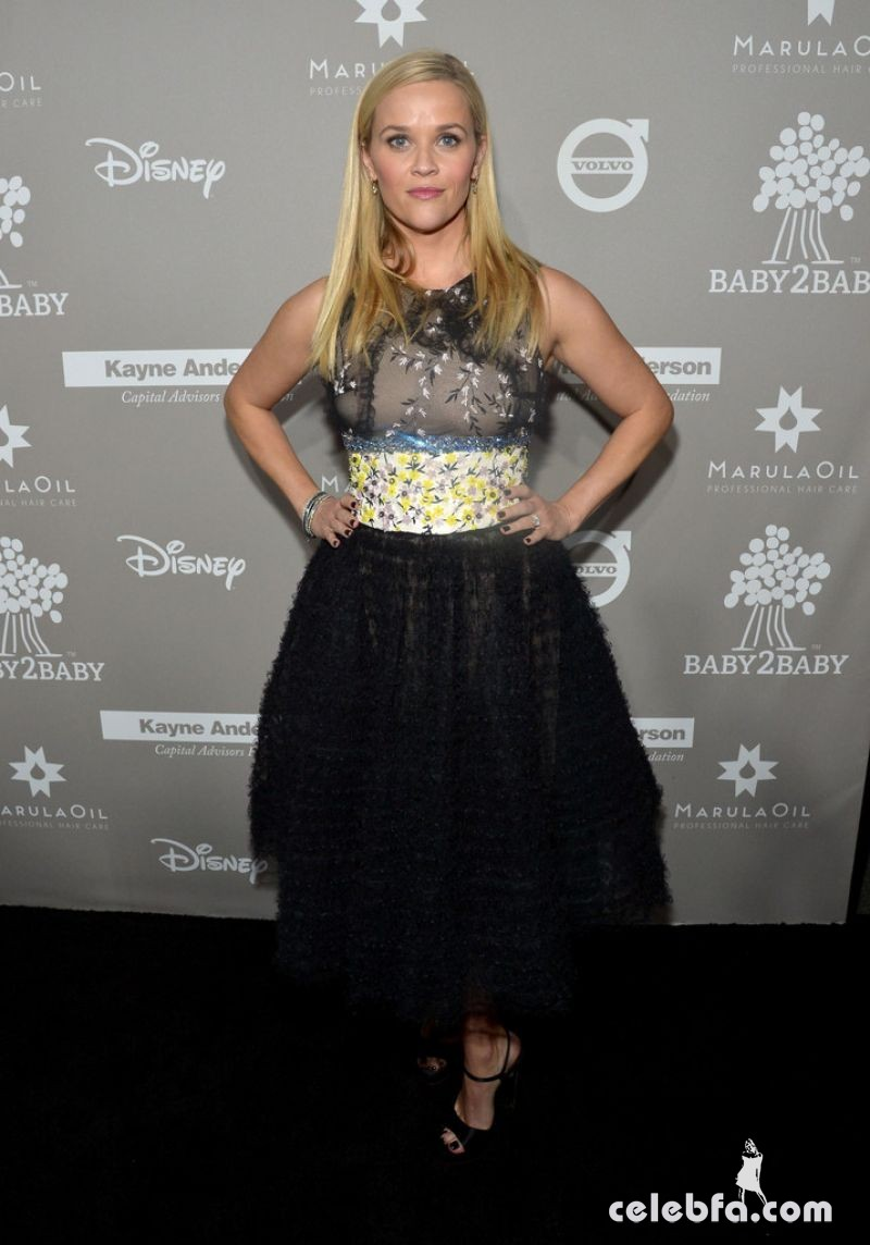 reese-witherspoon-at-2015-baby2baby-gala (1)