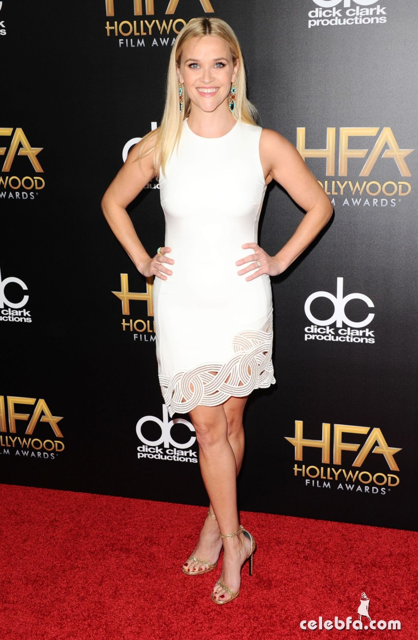 reese-witherspoon-at-2015-hollywood-film-awards-in-beverly-hills (3)