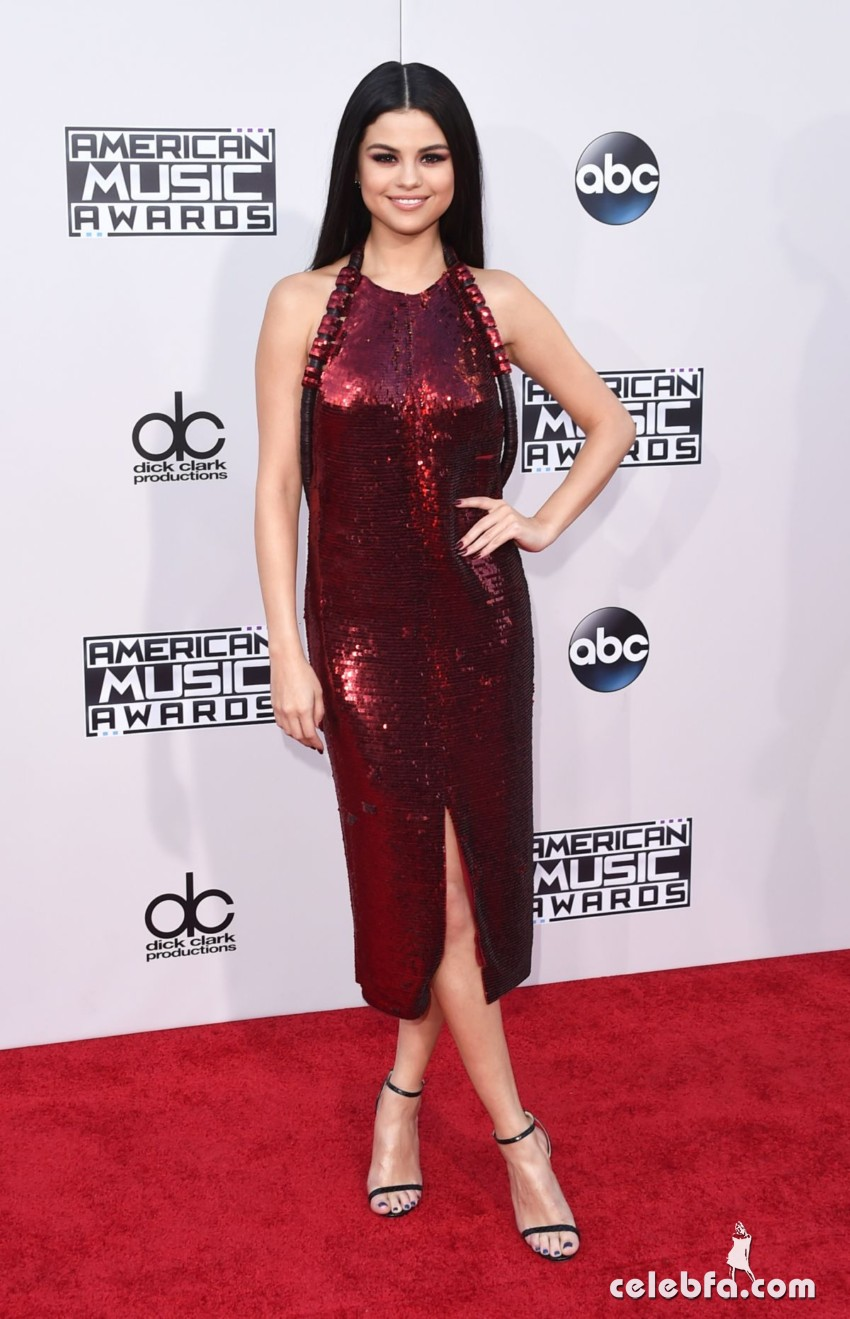 selena-gomez-at-2015-american-music-awards-in-los-angeles (5)