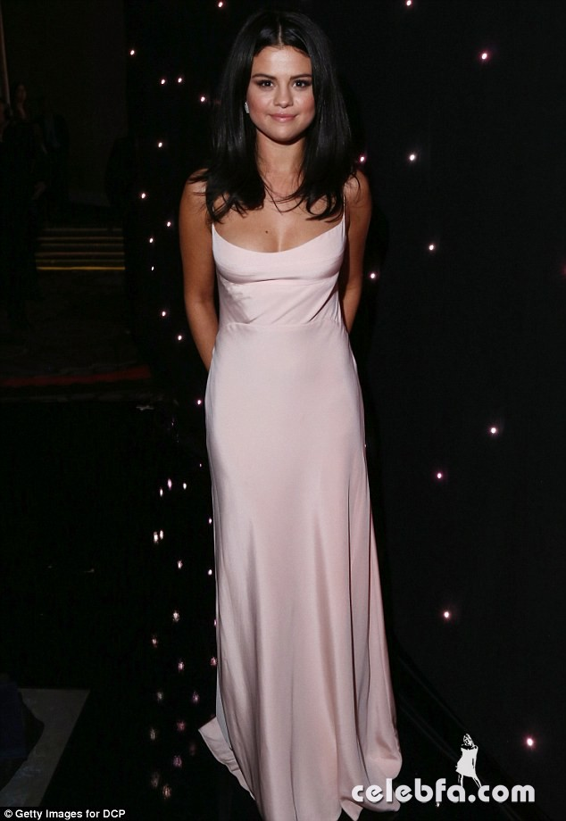 selena-gomez-at-2015-hollywood-film-awards-in-beverly-hills (5)
