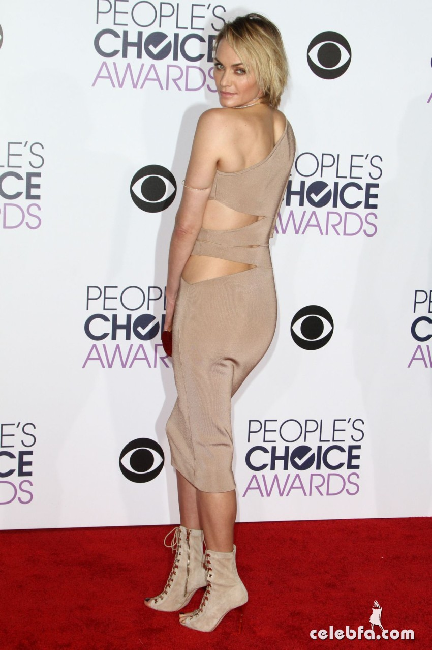 amber-valletta-at-2016-people-s-choice-awards-in-los-angeles-01-06-2016_3