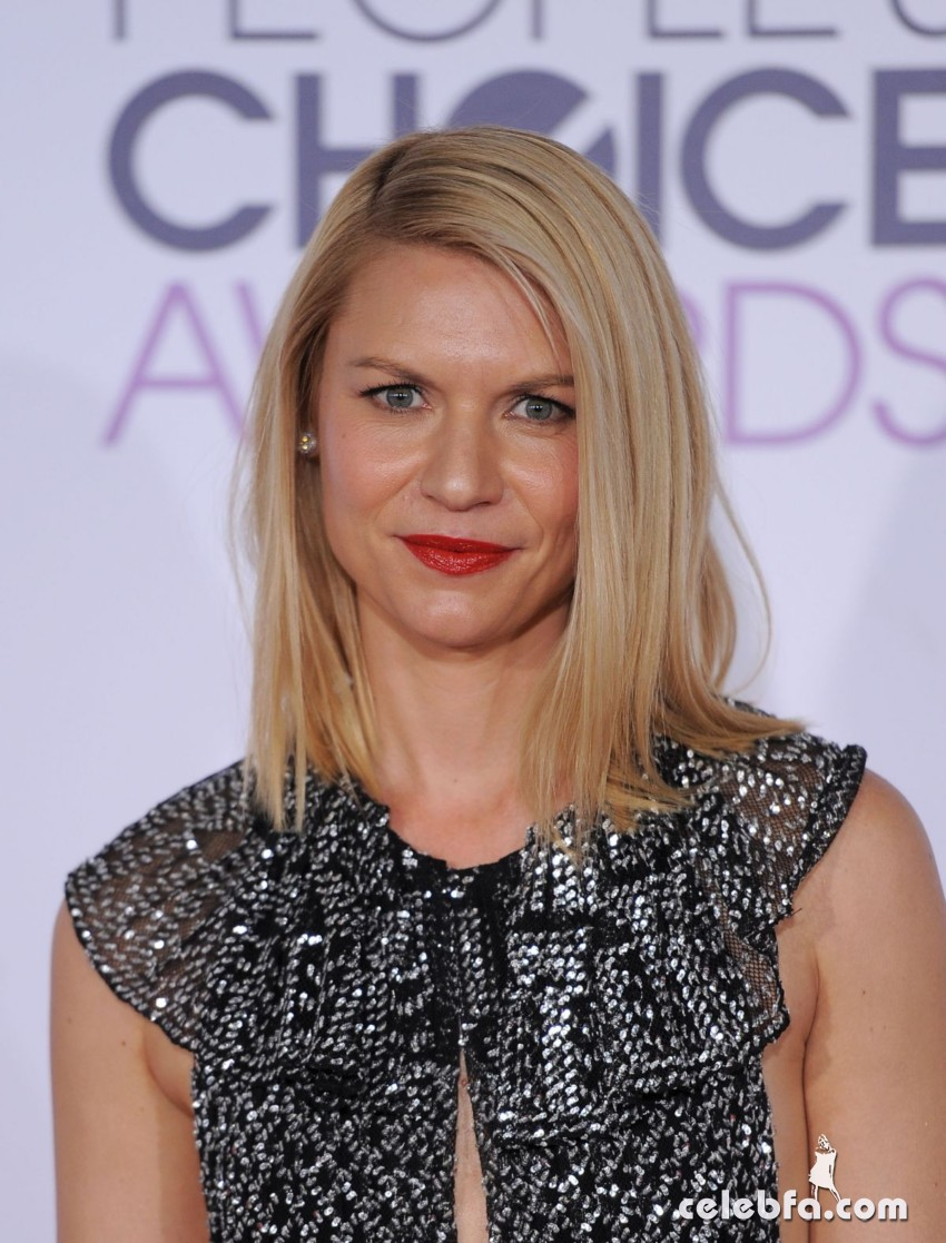 claire-danes-at-2016-people-s-choice-awards-in-los-angeles (1)