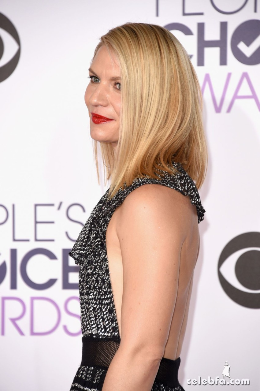 claire-danes-at-2016-people-s-choice-awards-in-los-angeles (2)