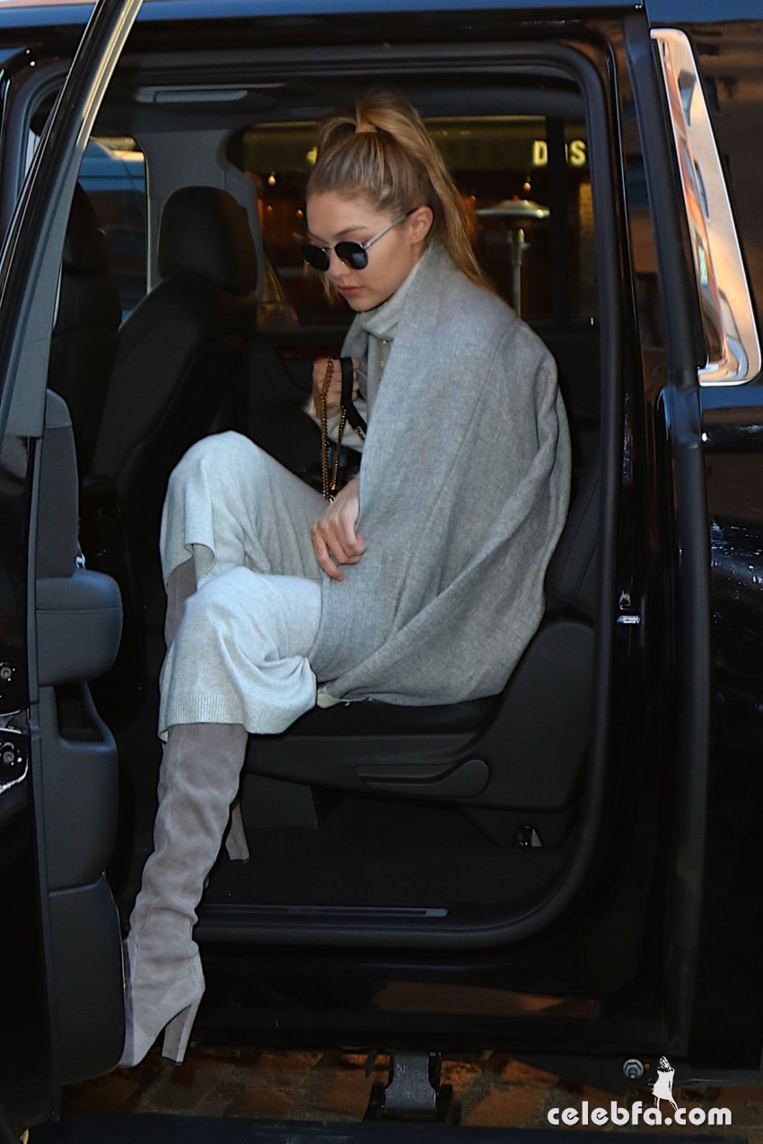gigi-hadid-out-and-about-in-new-york (3)
