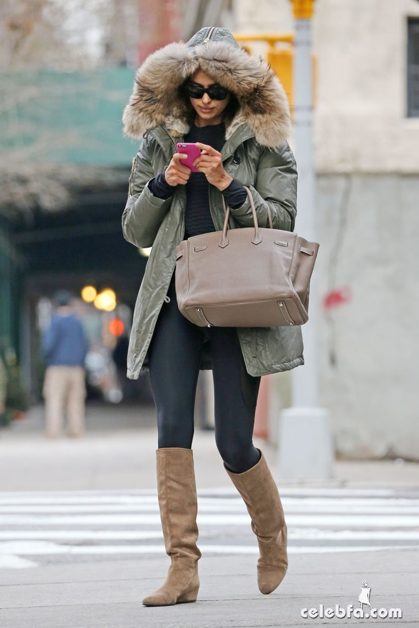 irina-shayk-out-and-about-in-new-york (2)