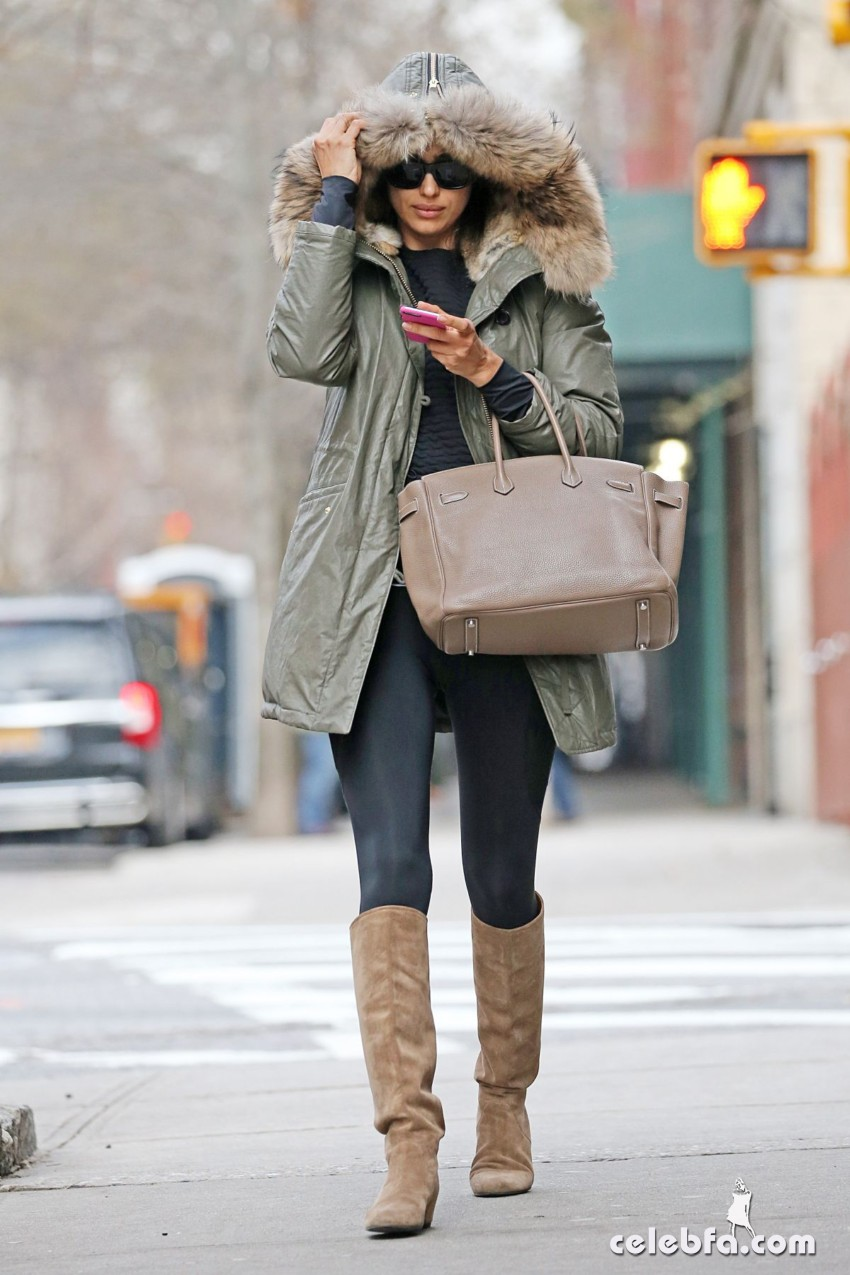irina-shayk-out-and-about-in-new-york (4)