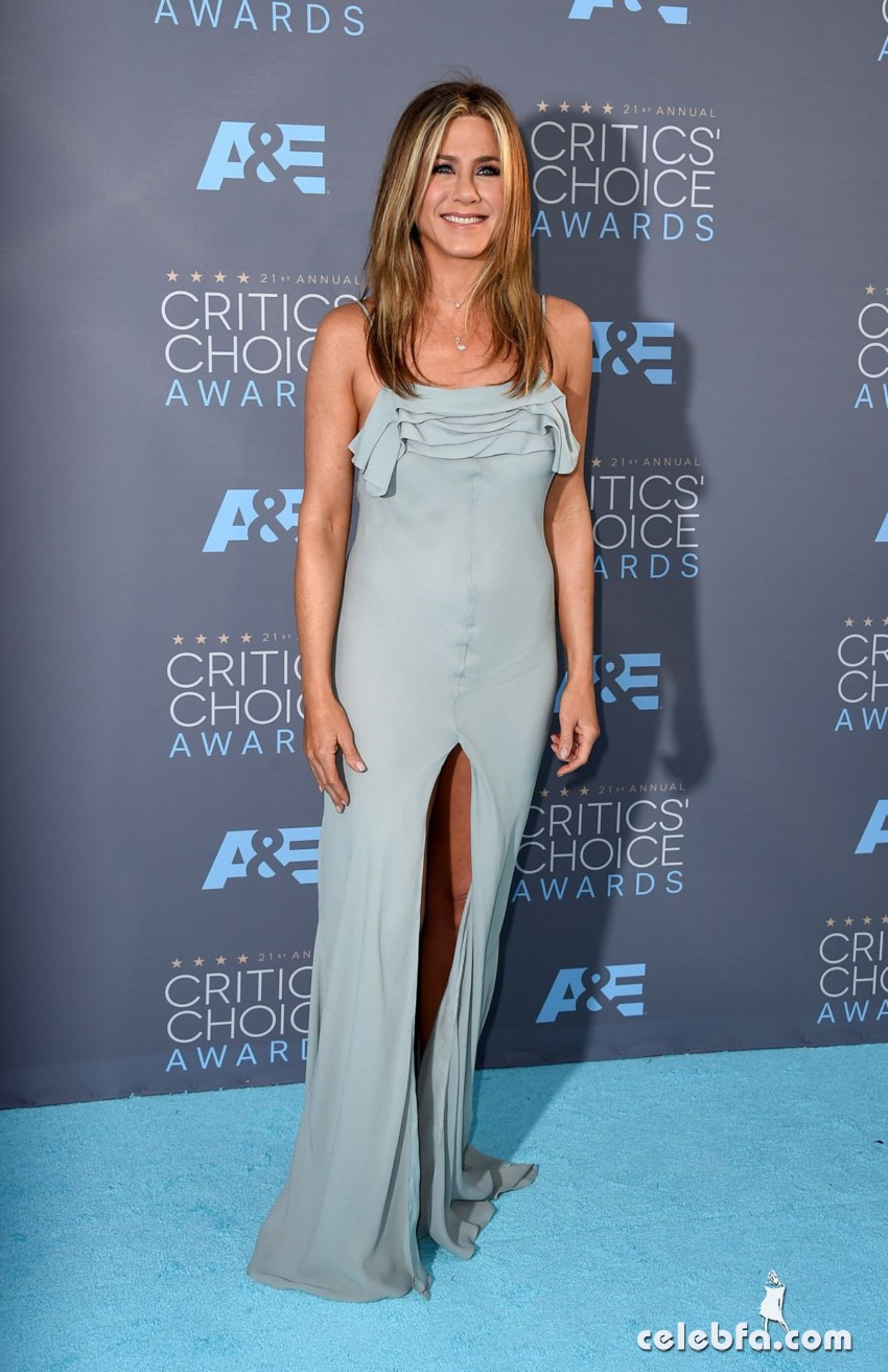jennifer-aniston-at-critics-s-choice-awards-2016 (1)
