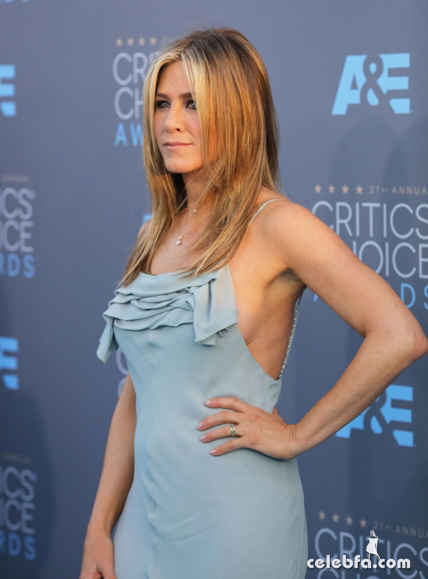 jennifer-aniston-at-critics-s-choice-awards-2016 (5)