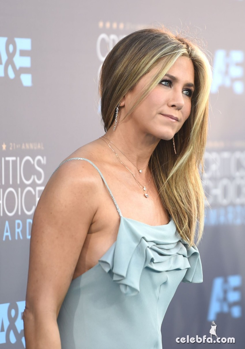 jennifer-aniston-at-critics-s-choice-awards-2016 (6)